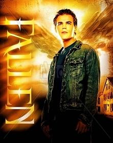Fallen (2007)  W dniu 18. urodzin Aaron Corbett odkrywa, że jest pół aniołem ...