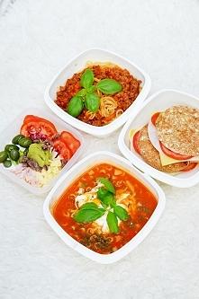 Dzisiejszy set ok 1600 kalorii. 1.box spaghetti z makaronem pełnoziarnistym,c...