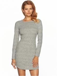 """Dziewczyny !!! Gdzie można kupić sukienkę """"sweterek"""",na zdjęciu dla przykładu.Nie chodzi tylko o taki wzór,ale byleby nie była z golfem. Z góry dziękuję :)"""