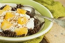 Makaron czekoladowy z serem, pomarańczą i cynamonem