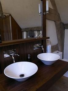Wnętrze łazienki, angielska łazienka, łazienka w angielskim domu, tradycyjna ...