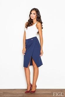 Piękna spódnica z gumką w pasie. Idealna na spotkanie biznesowe.Spódnica jest...