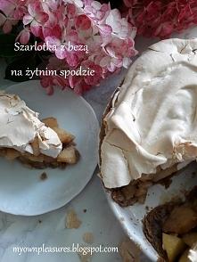 Szarlotka z bezą na żytnim spodzie - przepis  myowpleasures.blogspot.com