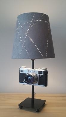 Lampka z aparatu foto Kiev. Styl i elegancja. Pięknie rozświetli zarówno pokój dzienny, biuro jak i sypialnię. Lampy HandMade w stylu vintage. Zainteresowanych zakupem proszę o ...