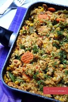 Przepis na: Fit risotto Składniki:      600 g piersi z kurczaka     1/2 łyżeczki przyprawy do kurczaka     500 g pieczarek     500 g mieszanki warzyw mrożonych np. typu włoskieg...