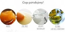 Maseczka nawilżająca z miodu, żółtka, jogurtu naturalnego [nieodtłuszczonego] i oleju kokosowego.
