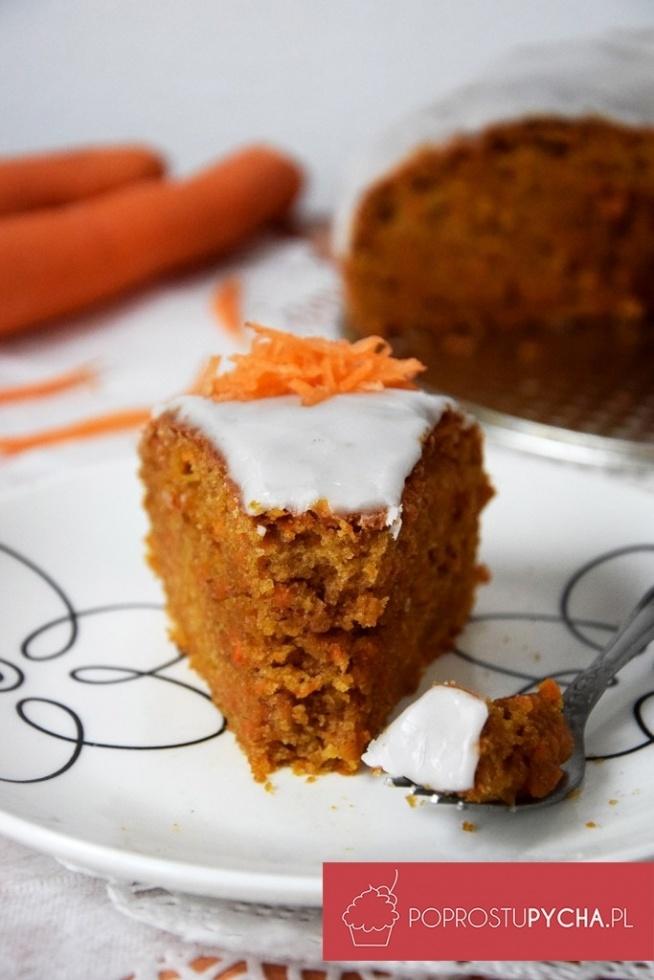 Jest wilgotne, zdrowe – dzięki dużej ilości marchwi, bardzo aromatyczne, z pięknym pomarańczowym kolorkiem.