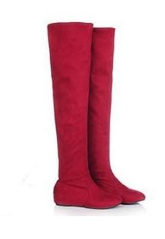 Kozaki za kolano z ukrytym koturnem. Czerwony kolor na pewno   wyróżni Cie w tłumie.Klik w zdjęcie.
