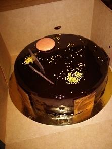Tort czekoladowy z musem pomarańczowym :) pyszny! Ale tylko na wyjątkowe okazje ;)