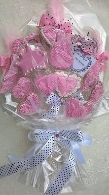 Słodki różowy bukiet na urodzinki dla dziewczynki.