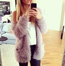 Piękny sweter. :)