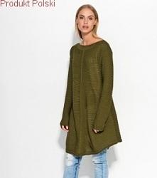 Sweter-tunika  - Trapezowy fason  - Dłuższy przód i tył  - Długi rękaw  - Rozmiar uniwersalny  - Produkt Polski  - Skład: 100% Acryl