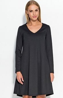 Makadamia M326 sukienka czarna Klasyczna sukienka, wykonana z miękkiej jednolitej tkaniny, długi rękaw