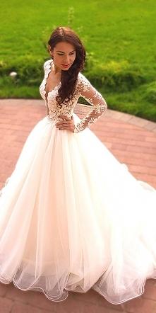*.* Długie koronkowe rękawy, są dobrym wyjściem na ślub o zimowej porze:) Pod...