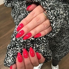 red nails beautiful