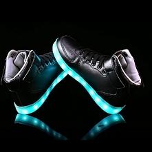 Świecące buty. Hit. Chyba n...