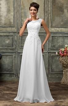 Suknia ślubna z perełkami. ...