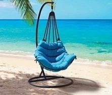 Przepiękny, bujany fotel a morski kolor tylko podkreśla jaka wygodna poducha ...