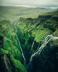 Wodospad Glymur w Islandii.