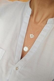 Długie, srebrne naszyjniki od Filigree.pl. Koronkowy, ażurowy medalion oraz naszyjnik SuperWoman! Kliknij w obrazek aby zobaczyć więcej! :)