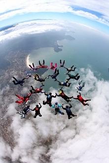 Sezon skoków spadochronowyc...