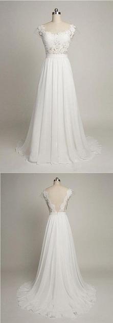 Delikatna i przepiękna suknia