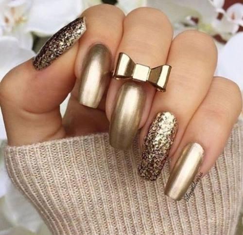Złote paznokcie - Kliknij w zdjęcie aby zobaczyć więcej