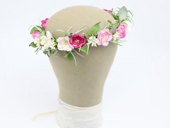Pudrowy róż, amarant, zieleń - piękny wianek dla Panny Młodej :)