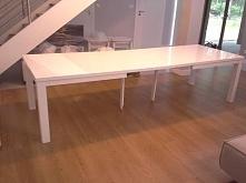 Stół rozkładany na prostych nogach / AKANT meble facebook: akantmeble