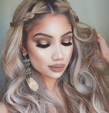 Piękny makijaż - Kliknij w zdjęcie aby zobaczyć więcej