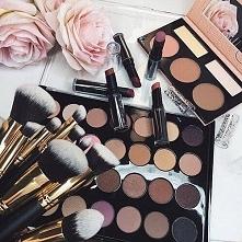 Czas na makijaż - Kliknij w zdjęcie aby zobaczyć więcej
