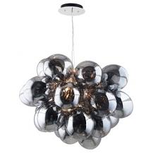 Duża, wisząca lampa, której kształt nawiązuje do dojrzewających w słońcu winogron. Piękne szklane kule odbijają światło na setki stron, przez co pomieszczenie uzyskuje dodatkowy...