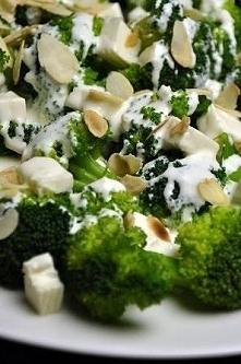 Sałatka z brokułami  Składn...