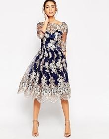 Śliczna sukienka z haftem na wesele i studniówkę