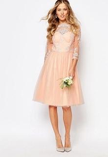 Śliczna haftowana sukienka na wesele i studniówkę