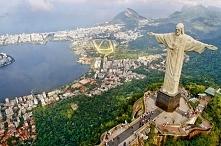 Pomnik Chrystusa Odkupiciela w Rio de Janeiro.38-metrowy pomnik Jezusa Chrystusa wzniesiony na szczycie granitowej góry Corcovado w Rio de Janeiro w Brazylii. Statua jest jednym...
