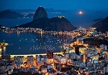 I znów Rio!Copacabana - dzielnica Rio de Janeiro, znana ze swojej plaży, długiej na 4 kilometry. Zamieszkuje ją 400 000 ludzi, co czyni ją jedną z najgęściej zaludnionych dzieln...