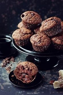 Najlepsze muffiny na świecie! Nie jadłam lepszych. Zawsze się udają. Mocno czekoladowe :) <3  Link w opisie