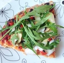 przepis na najlepszą i najprostszą pizze już na blogu:) majorka94.blogspot.com