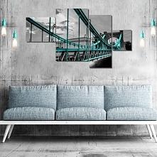 czarno-biała dekoracja z turkusowym motywem Mostu Grunwaldzkiego.