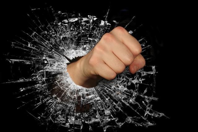 Poradnik mamy: Jak radzić sobie z napadami złości u dzieci?