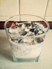 Serek wiejski z nasionami chia! Pyszności ♥♥♥ Przepis po kliknięciu w zdjęcie :)