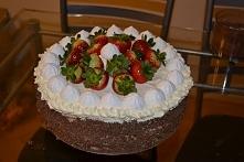 Tort powitalny z bitą śmiet...