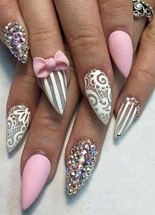 Koronkowe wzorki na paznokc...