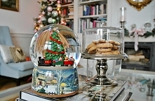 MODERN CLASSIC CHRISTMAS-po...