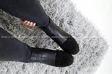 Piękne workery typu botki wsuwane, wykonane z wysokogatunkowej eko-skórki, po bokach posiadają wszyte gumki dzięki którym buty doskonale trzymają się stopy i są bardzo komfortow...