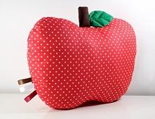 Jabłuszko uszyte z bawełny, wypełnienie antyalergiczne. Super na prezent ! ;)