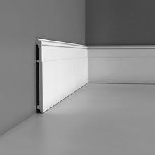 Biała listwa przypodłogowa SX156 Orac to delikatnie ryflowana sztukateria, która doskonale odnajduje się we wnętrzach klasycznych i eklektycznych. Wykonana jest z wytrzymałych p...