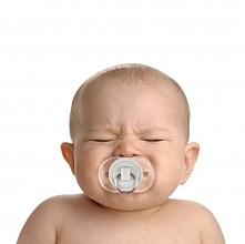 Jesteś młodą mamą? Masz dość płaczu twojej pociechy?  Smoczkowa zatyczka uciszy młodego a ty będziesz miała chwile spokoju :)