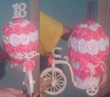 rowerek z różyczek ze wstąż...